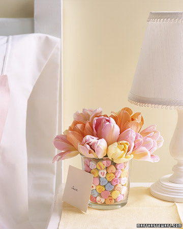 I am in LOVE with these pastel colours! What an awesome idea to fill a vase!